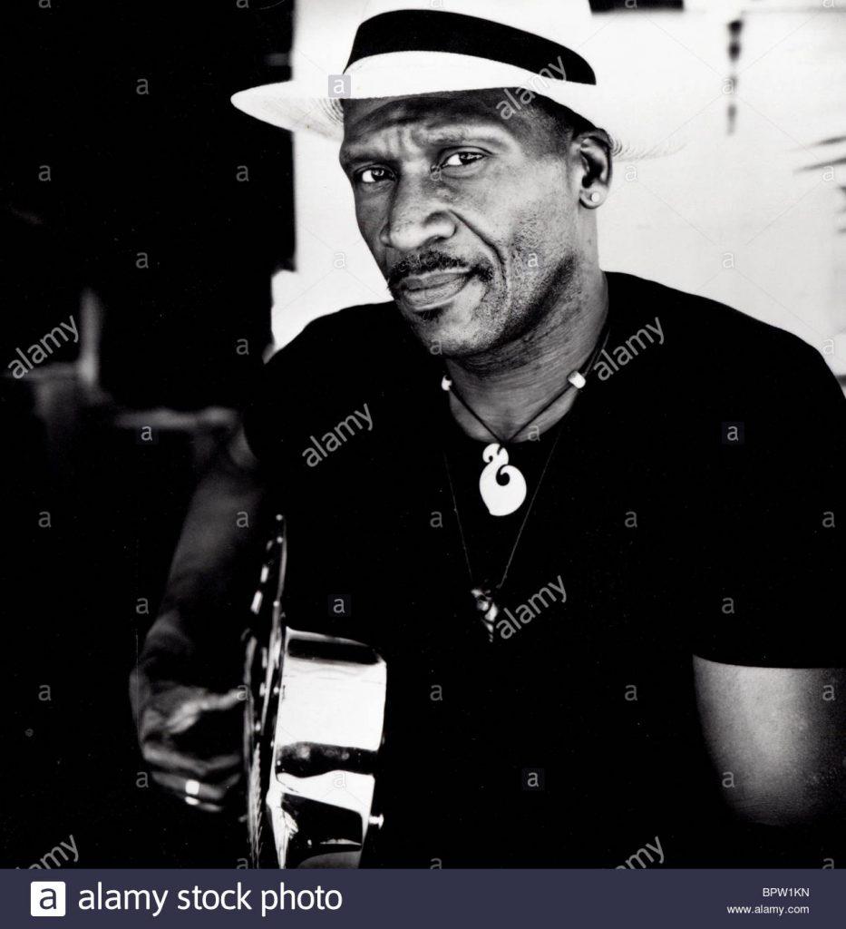 taj-mahal-singer-1980-BPW1KN